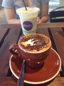 Organic fair trade coffee & coconut sugar-free smoothie