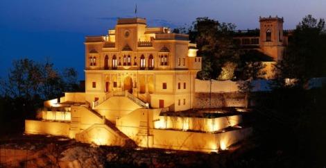 Ananda.palace.dusk